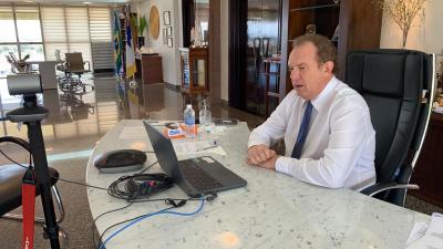 Governador Mauro Carlesse participa de webconferência com diretores de escolas estaduais de Araguaína