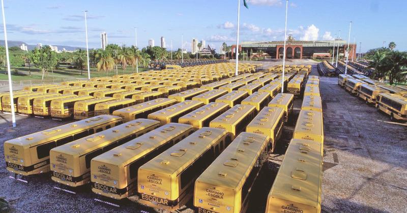 Governo do Tocantins adquiriu 433 novos ônibus escolares para melhorar o transporte de alunos em todos os 139 municípios