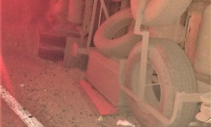 Caminhão tombou na TO – 280, no município de Peixe, região Sul do Tocantins