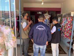 Equipe técnica visitou o comércio de Palmas para levar orientações à população