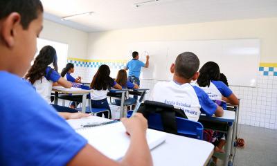 Formação atenderá 2.563 professores da rede estadual de ensino