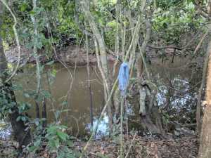 Pertences do caçador foram encontrados na beira do rio onde ele pescava