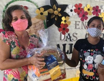 Gilmária Pereira de Oliveira, autônoma, teve a renda comprometida em decorrência da pandemia e já retirou o kit