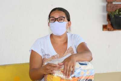 """Raimunda Feliciana Santos - """"Tudo que tem aqui vai ajudar a alimentar meus filhos"""""""