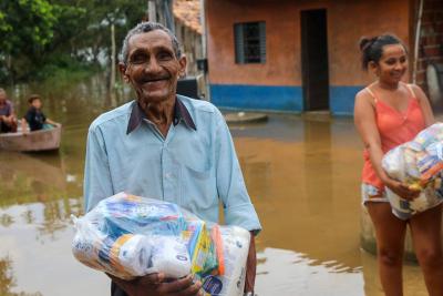 Foto 2 - As entregas de cestas, na região do Bico do Papagaio, tiveram início em março atendendo famílias afetadas pelas enchentes dos rios Tocantins e Araguaia - Alexandre Alves _400.jpg