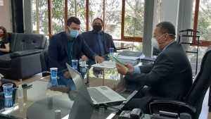 Ruraltins entrega a gestor da Sics Censo da Piscicultura no TOcantins
