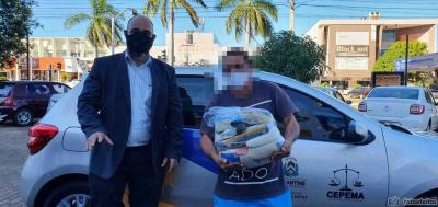 O guardador de carros A.F.C. afirmou que, com a cesta, poderá se preocupar em pagar outras contas necessárias