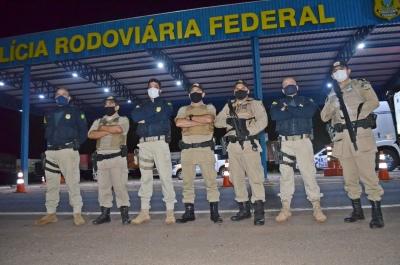 Policiais Militares e agentes da PRF em Guaraí.