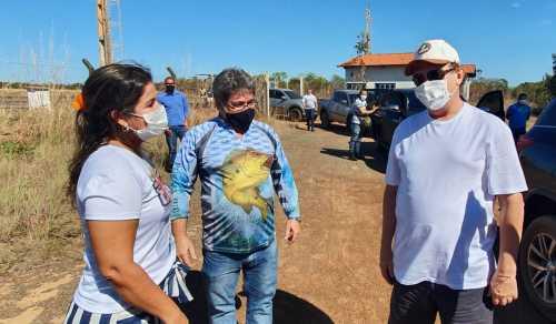 Governador Mauro Carlesse foi recepcionado pela prefeita de Araguacema, Isabella Simas