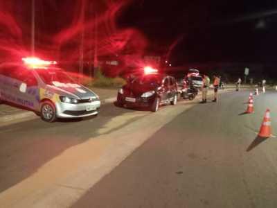 Ação conjunta da PM com Detran em fiscalização de trânsito em Araguaína.