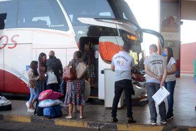 Fiscais da ATR dão apoio em barreira sanitária no terminal rodoviário de Palmas