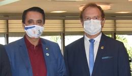 Mauro Carlesse, agradece ao deputado federal Carlos Henrique Gaguim pelo empenho em ajudar a Saúde do Estado neste momento de pandemia do novo Coronavírus