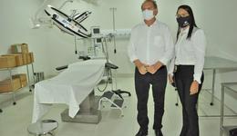 O pavilhão contratado pelo Governo do Tocantins do Centro Oncológico conta dez Unidades de Terapia Intensiva (UTI) e 60 leitos clínicos com capacidade de conversão para leitos com assistência respiratória