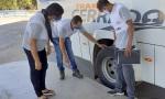 Orientações práticas sobre verificação dos pneus sendo repassadas para os novos fiscais
