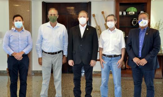 Yasuhide Watanabe é proprietário do grupo Frango Americano, responsável pela geração de 1.500 empregos no Tocantins