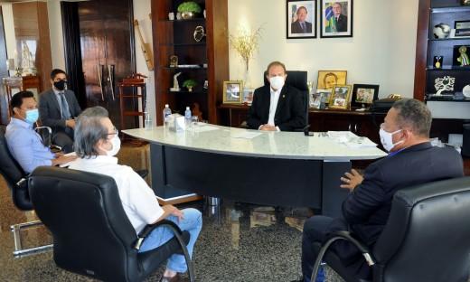 Secretário de Indústria, Comércio e Serviços, Tom Lyra, formalizou a concessão do Tare para o grupo Frango Americano