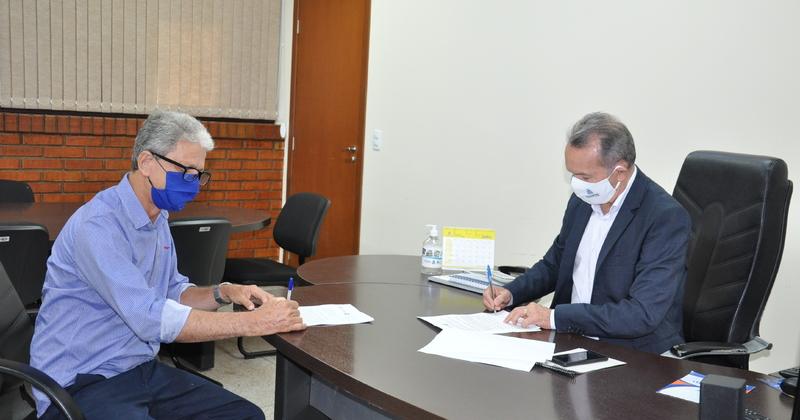Assinatura do Termo de Compromisso de Gestão do Terminal Rodoviário do município de Dois Irmãos