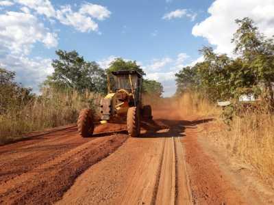 Já foram executados 18 km de patrolamento com intervenções em pontos críticos e melhorias do sistema de drenagem de Ananás a Cachoeirinha