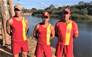Mergulhadores do Corpo de Bombeiros Militar atuaram por cerca de duas horas, encontrando o corpo da vítima no Rio Formoso