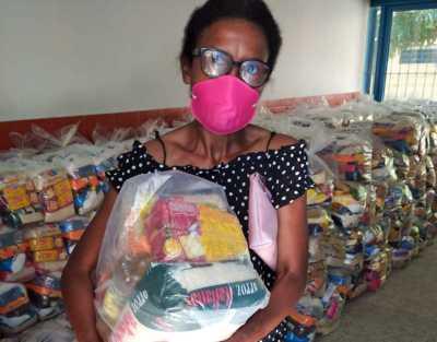 Cerca de 30 mil famílias de estudantes da rede municipal de ensino já foram atendidas pelo Governo do Tocantins com a entrega de kit de alimentos.
