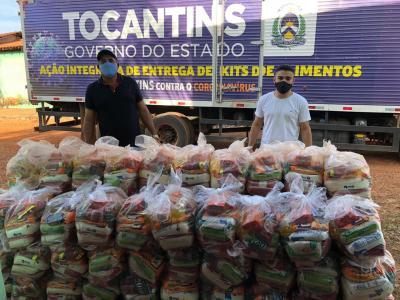 100 cestas entregues neta quinta-feira, 23, para Associação dos Conselheiros do Projeto de Assentamento Juarina.