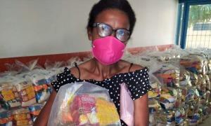 Cerca de 30 mil famílias de estudantes da rede municipal de ensino já foram atendidas pelo Governo do Tocantins com a entrega de kit de alimentos – Crédito: Seduc/Governo do Tocantins