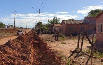 Obras beneficiarão diretamente mais de 100 famílias que não tinham acesso regular à água tratada