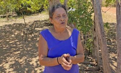 Foto 2 - Irenilde Rodrigues, moradora do assentamento Baviela, em Aragominas, ficou mais do que contente quando recebeu a cesta básica - Governo do Tocantins_400.jpg
