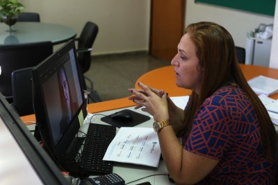 A superintendente Amanda Pereira da Costa detalhou as ações e projetos da Seduc realizados durante a pandemia