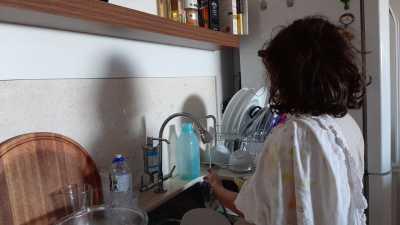 O trabalho infantil doméstico acarreta muitos prejuízos para a saúde e qualidade de vida de crianças e adolescentes