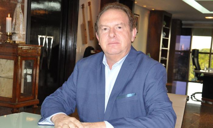 Governador Mauro Carlesse assinou decreto prorrogando a suspensão das aulas e a jornada reduzida de 6 horas dos servidores públicos estaduais até 31 de agosto de 2020