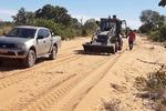 Ação de recuperação de estrada dentro do quilombo Carrapato, próximo ao município de Mateiros