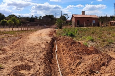 Além das melhorias na rede já existente, foram instaladas mais de 700 metros de Rede de Abastecimento de Água (RDA)