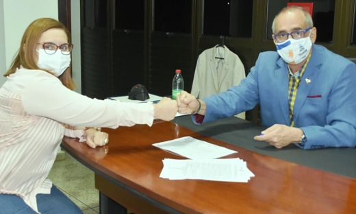 """""""A entrega desses respiradores irá auxiliar significativamente na assistência aos pacientes acometidos pela Covid-19 nesta região"""