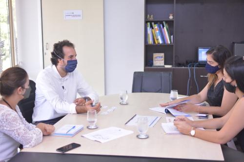Empresário Fernando Penteado fala de investimentos no setor de avicultura a diretores e técnicos da pasta