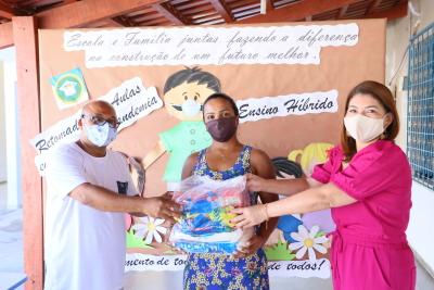 A titular da Seduc, Adriana Aguiar, destacou a importância da ação dentro do cenário atual