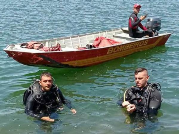 Mergulhadores do Corpo de Bombeiros realizam as buscas nas duas regiões do Estado