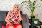 Dona Maria Vilma recebe o carinho e atenção constante de seus familiares