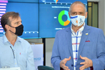 Gestor da Saúde, Edgar Tollini; e o diretor-presidente da Energisa Tocantins, Alessandro Brum, na entrega dos equipamentos