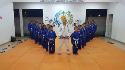 Equipe de jiu-jitsu é composta por 50 alunos
