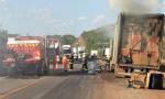 Caminhão carregado com fogões e fornos elétricos tem parte da carga danificada pelas chamas em Paraíso do Tocantins