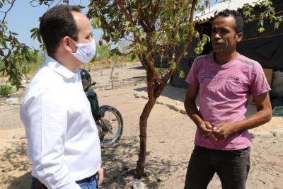 O presidente Davi Govea fez questão de ouvir a população atendida pela Agência no município