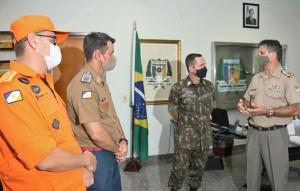 Coronéis Leandro e Jaizon na recepção ao general Marcus