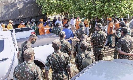 Mais de 40 militares, brigadistas e fiscais atuam na operação em Lajeado