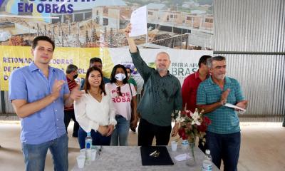 Adriana Aguiar destacou que outras cinco unidades de ensino no mesmo padrão estão em construção no Estado