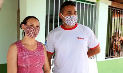 A dona de casa Clivia Leal e o eletricista Janatiel Oliveira Sousa comemoraram o retorno das obras