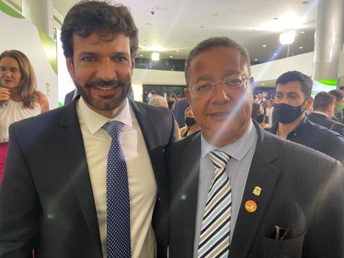 Ministro Marcelo Álvaro e Tom Lyra comemoraram a retomada do turismo