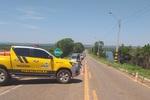 Equipe de fiscalização na rodovia TO 225.