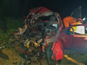 Motorista foi desencarcerado e recebeu os primeiros socorros ofertados pelo Corpo de Bombeiros Militar de Gurupi