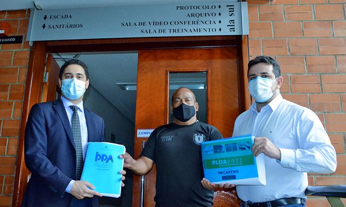 Secretário-chefe da Casa Civil, Rolf Vidal, protocolou os Projetos de Leis da LOA para o exercício de 2021 e de revisão do PPA 2020-2023